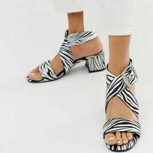 Shoes - GORGEOUS ZEBRA CROSSOVER STRAPS SANDALS